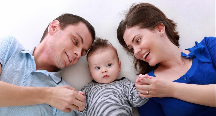 Stowarzyszenia i organizacje, Szukają rodzin zastępczych - zdjęcie, fotografia