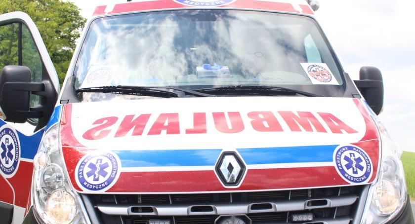 Wypadki, letni kierowca potrącił starszą kobietę - zdjęcie, fotografia