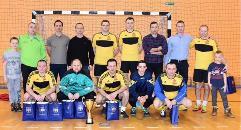 Piłka nożna, Straż zdobyła Puchar Burmistrza - zdjęcie, fotografia