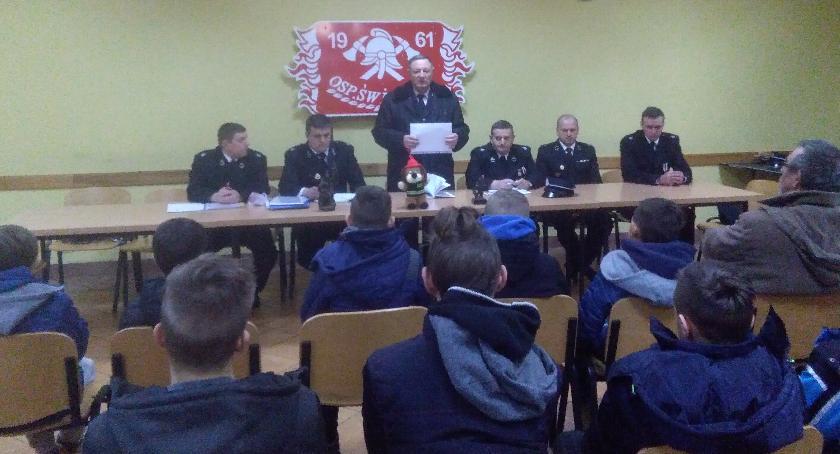 Stowarzyszenia i organizacje, Młodzież lgnie straży - zdjęcie, fotografia