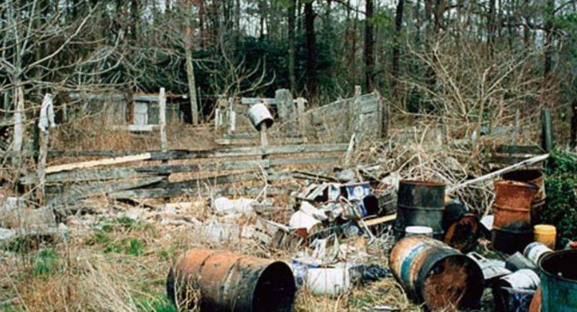 Ciekawostki, Niebezpieczne uciążliwe śmieci - zdjęcie, fotografia
