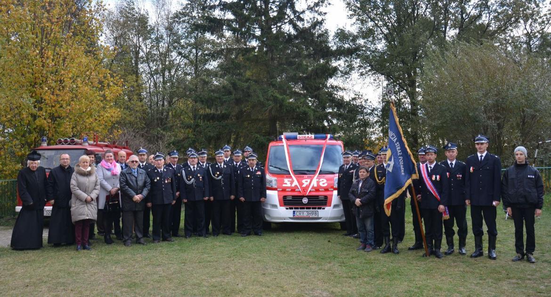 Stowarzyszenia i organizacje, Strażacy Gulbin dostali samochód - zdjęcie, fotografia