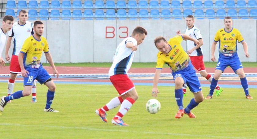 Piłka nożna, Wyjazdowy punkt Lecha Rypin - zdjęcie, fotografia