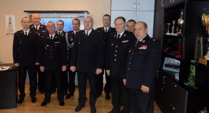 Stowarzyszenia i organizacje, Strażacy zapłacą taniej paliwo - zdjęcie, fotografia