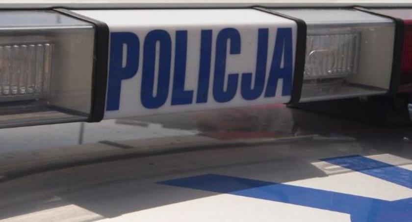 Kronika kryminalna, latka promilami kółkiem - zdjęcie, fotografia