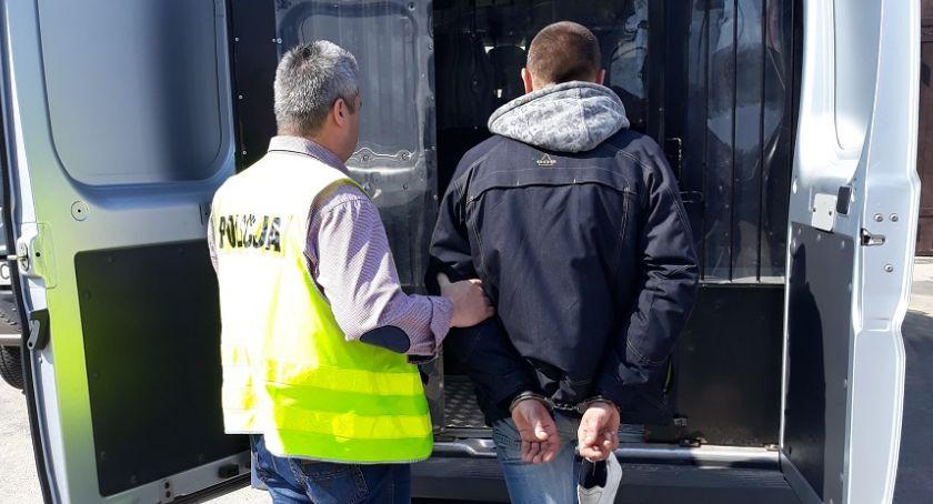 Kronika kryminalna, Okradli pobili kolegę - zdjęcie, fotografia