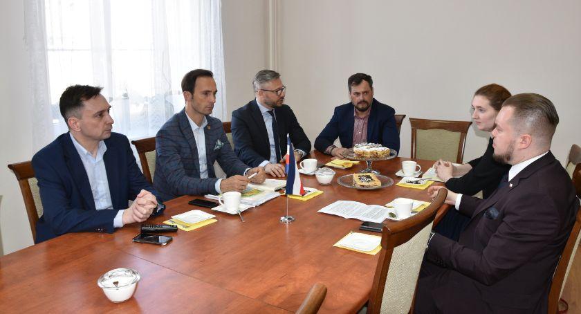 Samorząd gminny, Wróci pasażerski - zdjęcie, fotografia
