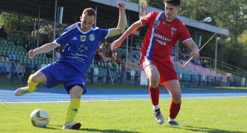 Piłka nożna, lepszy Pomorzanina - zdjęcie, fotografia