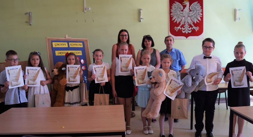 Edukacja, Młodzi mistrzowie ortografii - zdjęcie, fotografia