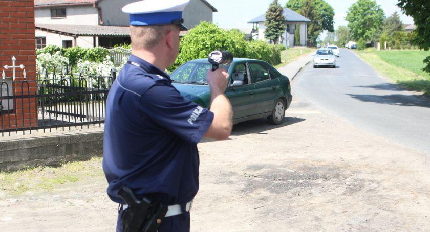 Kronika kryminalna, zakazem podwójnym gazie - zdjęcie, fotografia