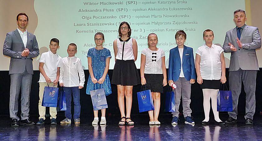 Edukacja, Sukcesy uczniów nagrodzone [dużo zdjęć] - zdjęcie, fotografia