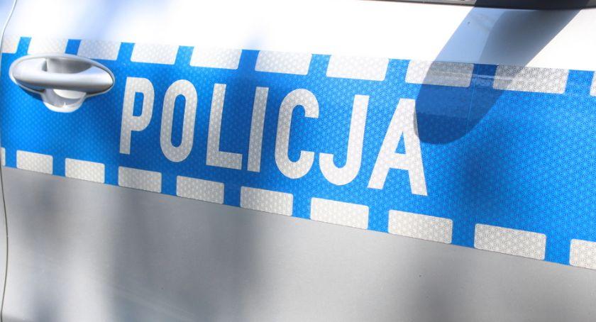 Kronika kryminalna, zakupy kradzioną kartą - zdjęcie, fotografia
