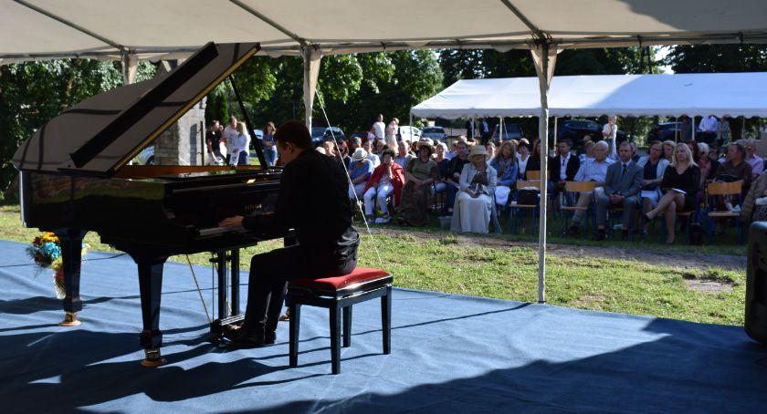 Muzyka, Koncertowo Radzikach - zdjęcie, fotografia