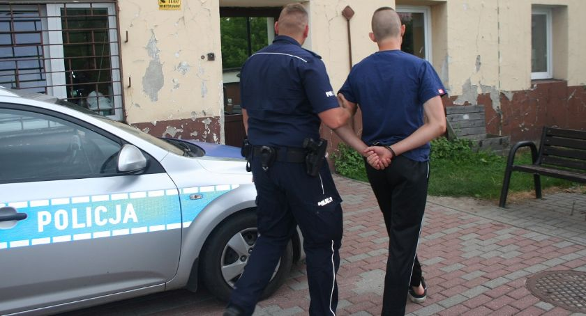 Kronika kryminalna, letni nożownik zatrzymany! - zdjęcie, fotografia