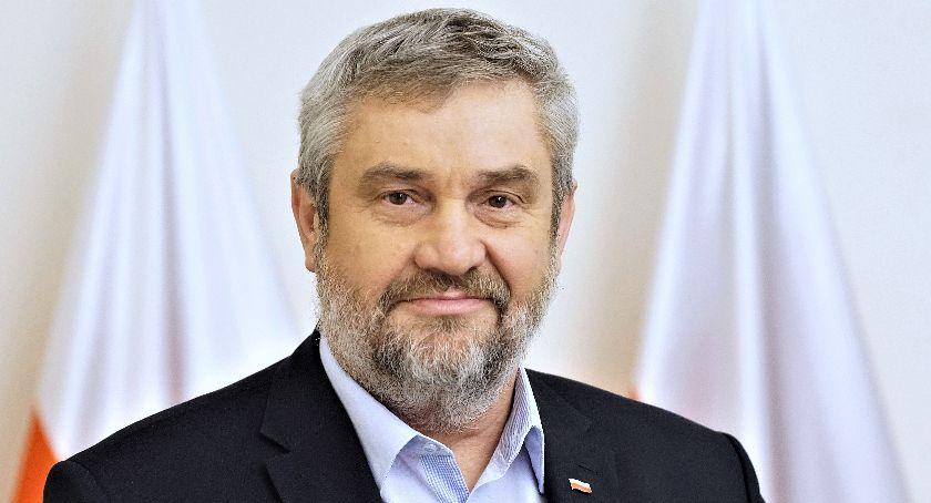 Polityka, Sprawozdanie poselskie - zdjęcie, fotografia