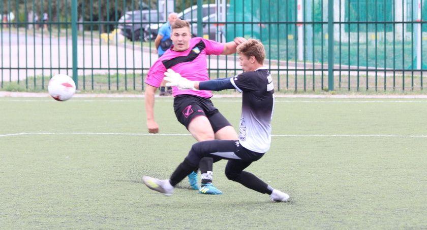 Piłka nożna, Dobry początek sezonu Grotu Kowalki [zdjęcia] - zdjęcie, fotografia