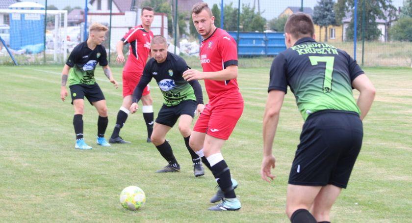 Piłka nożna, Skrwa popłynęła Kruszynie [zdjęcia] - zdjęcie, fotografia