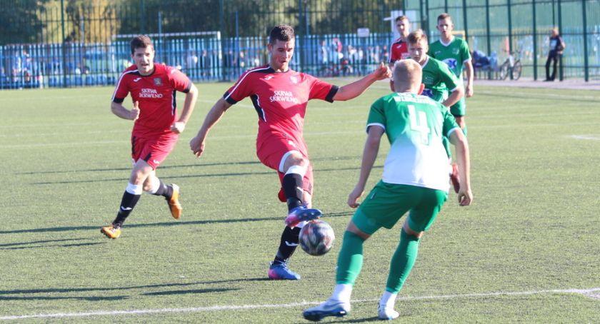 Piłka nożna, Skrwa wygrała Włocławku [zdjęcia] - zdjęcie, fotografia