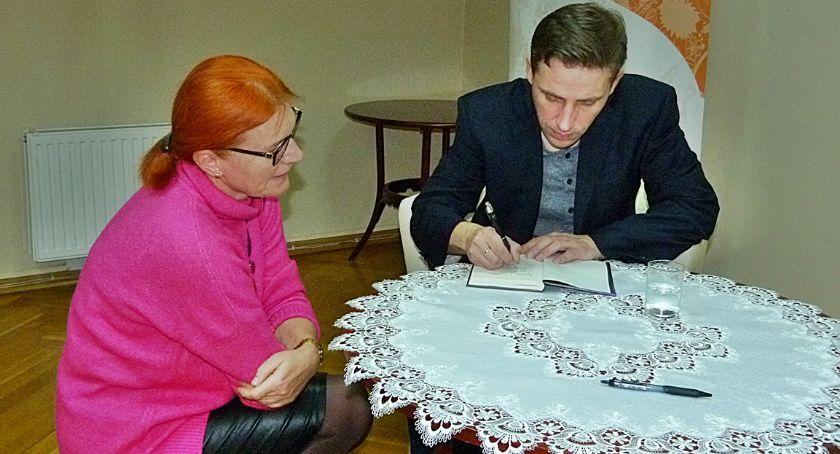 Biblioteki, Spotkanie Pawłem Sołtysem Pablopavo [zdjęcia] - zdjęcie, fotografia