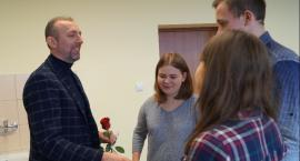 Wójt Kolczyński w szkolnej ławie