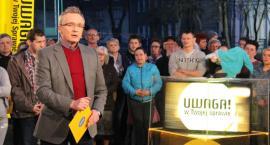 Uwaga! TVN na żywo z Rypina. Zajęli się sprawą pobicia Piotrusia