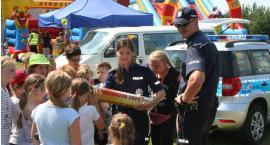 Policjanci rozdawali prezenty