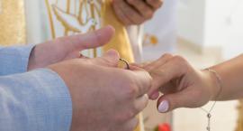 Rypińska skarbówka sprawdza...  nowożeńców