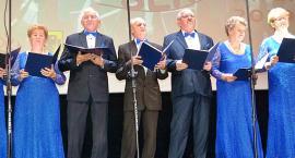 Seniorzy zaśpiewali i zagrali [dużo zdjęć]