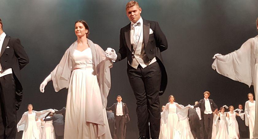 wydarzenia, Debiutantów Teatrze Wielkim - zdjęcie, fotografia