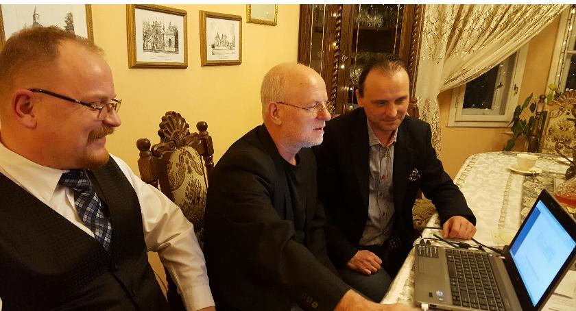 spotkania, Spotkanie Gniewomira Rokosza Kuczyńskiego sprawie rozwoju portalu - zdjęcie, fotografia