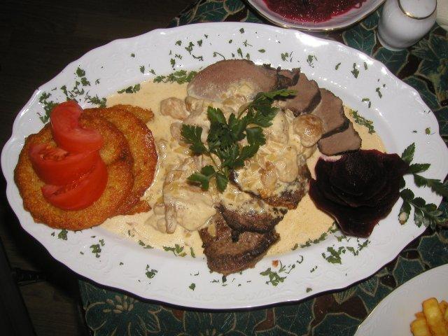Kuchnia myśliwska, Comber grilla masłem ziołowym czosnkiem - zdjęcie, fotografia