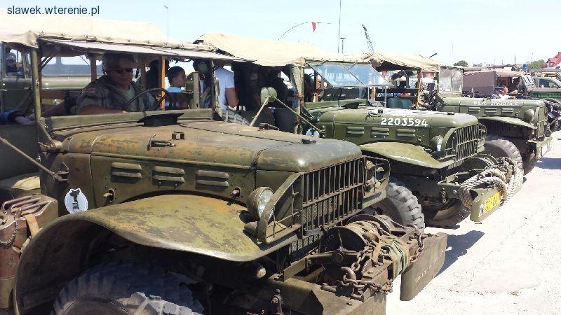 Inteligentny Stare samochody terenowe, zabytkowe auta off road, oldtimery 4x4 BV65