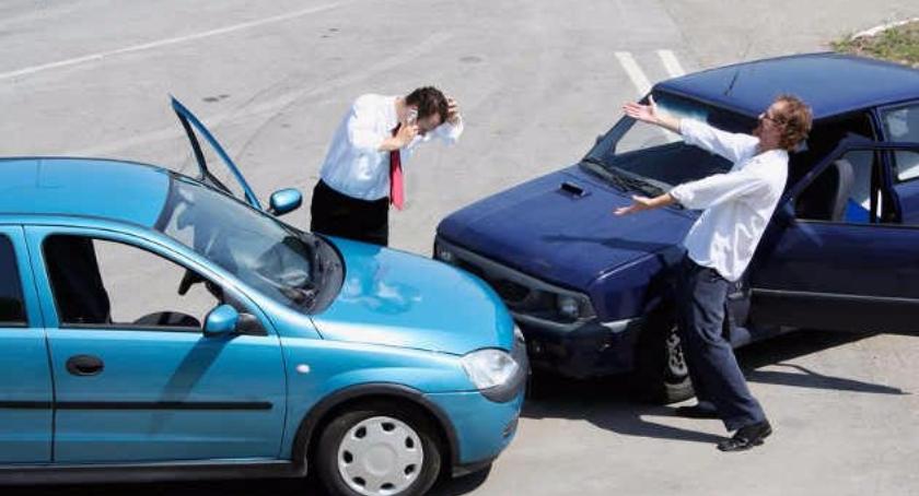Firmy, zabezpieczyć samochód przed podróżą - zdjęcie, fotografia