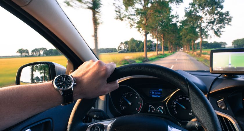 Firmy, polecanych nawigacji samochodu osobowego - zdjęcie, fotografia