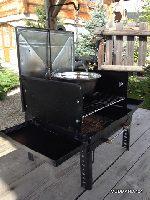 Walizkowy grill z kociołkiem na wyprawę 4x4