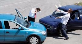 Jak zabezpieczyć samochód przed podróżą?