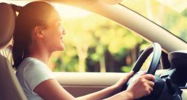 Ubezpieczenie OC bez zwyżki za wiek - jak kupić tańsze OC dla młodego kierowcy?