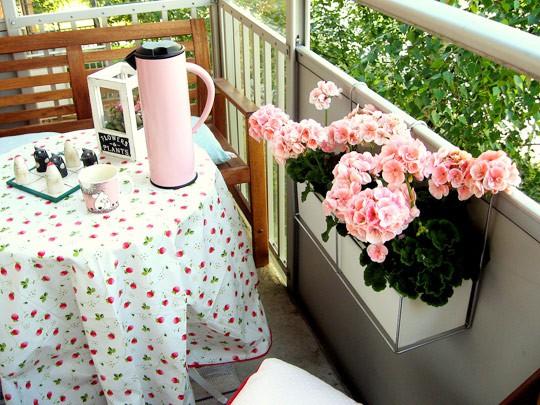 Styl Życia, Balkon oazą wypoczynku - zdjęcie, fotografia