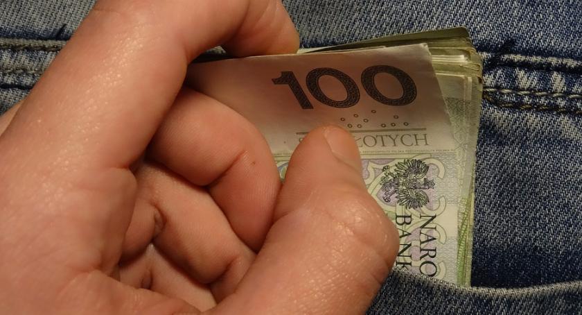 Wiadomości, Zwiększyły wydatki zwiększyły dochody - zdjęcie, fotografia