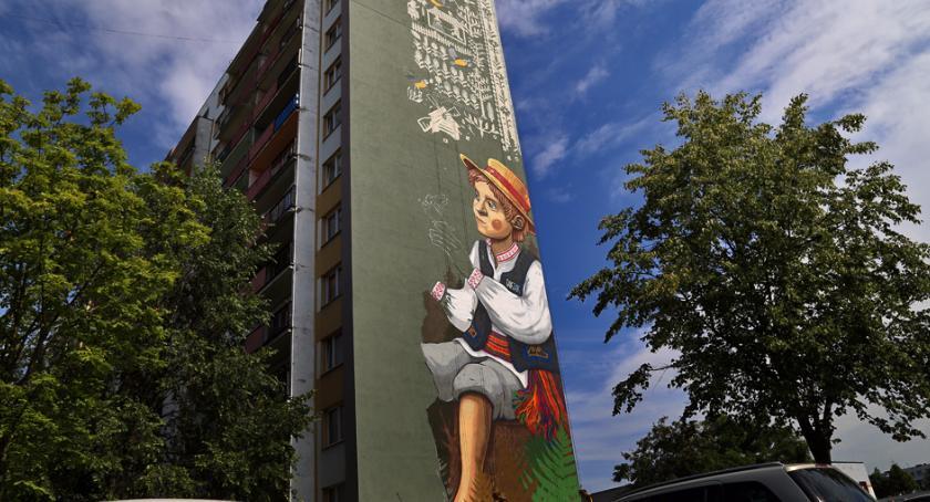 Kulturalnie, mural chłopcem Białostoczku - zdjęcie, fotografia