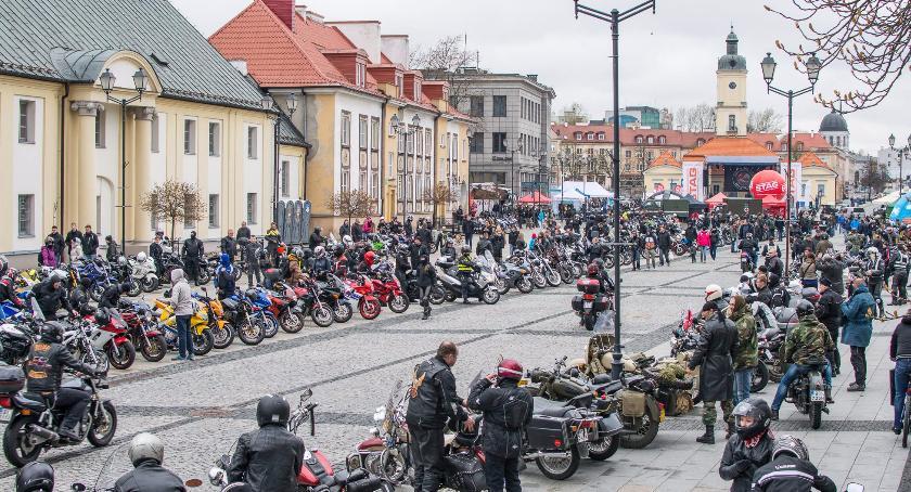 Moto, Motocykliści będą płacić postój płatnej strefie parkowania - zdjęcie, fotografia