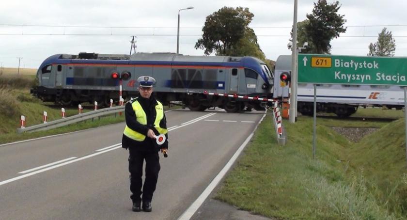 Moto, Statystyki wyglądają lepiej jeśli spojrzymy liczbę wypadków przejazdach kolejowych - zdjęcie, fotografia