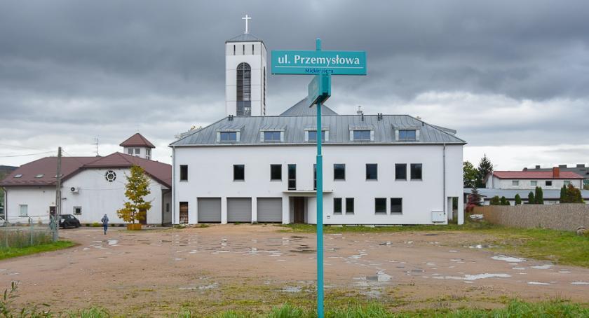 Wiadomości, kościele powstanie parking - zdjęcie, fotografia