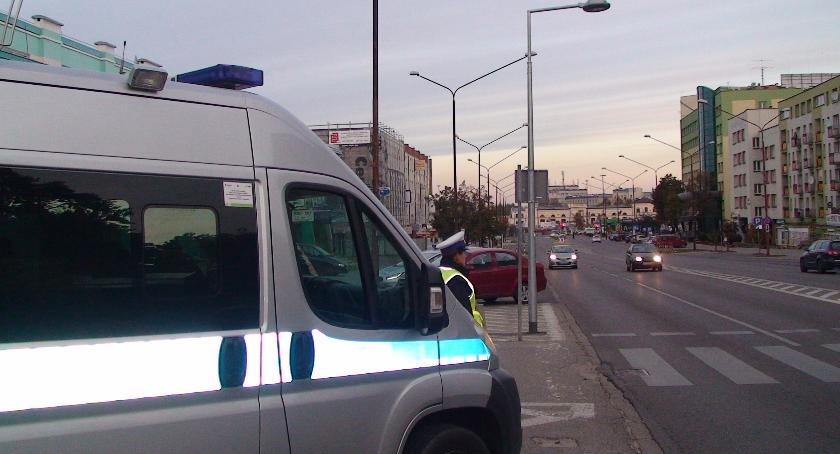 Moto, Dożywotni zakaz prowadzenia samochodów może niekonstytucyjny - zdjęcie, fotografia