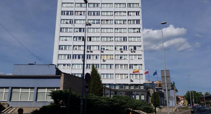Wiadomości, Urzędzie Miejskim jakiś ekonomista Choć jeden! - zdjęcie, fotografia