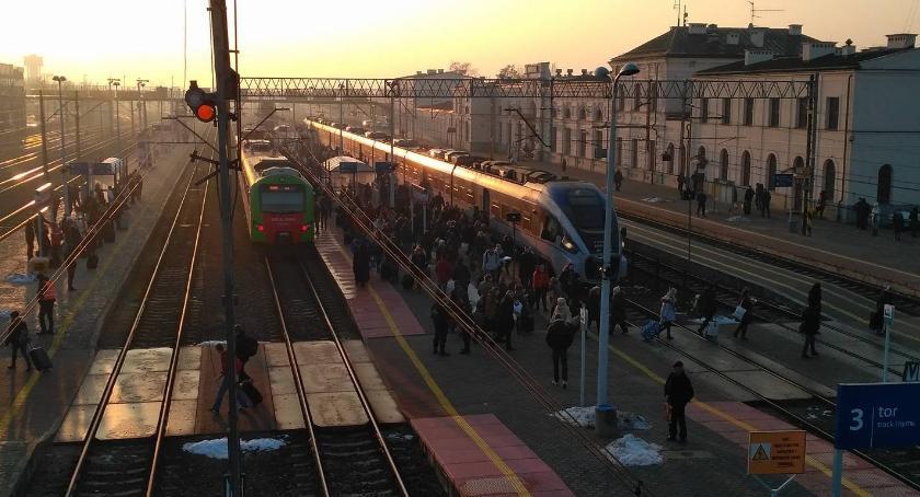 Wiadomości, pozwala prawo spóźni pociąg - zdjęcie, fotografia