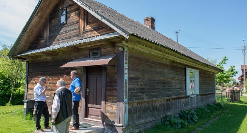 Kulturalnie, Najlepiej Zachowany Zabytek Wiejskiego Budownictwa Drewnianego poszukiwany Podlasiu - zdjęcie, fotografia