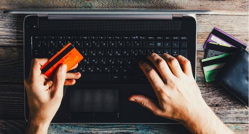 Wiadomości, Systemy bankowe ostrzałem hackerów - zdjęcie, fotografia