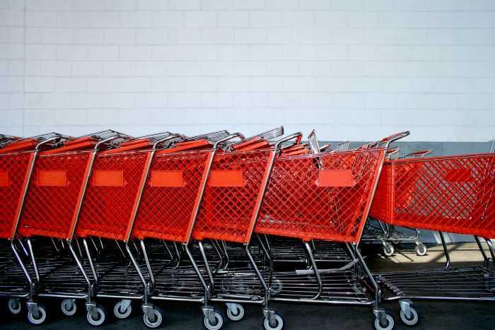 Wiadomości, Pamiętaj zrobić zakupy wcześniej - zdjęcie, fotografia