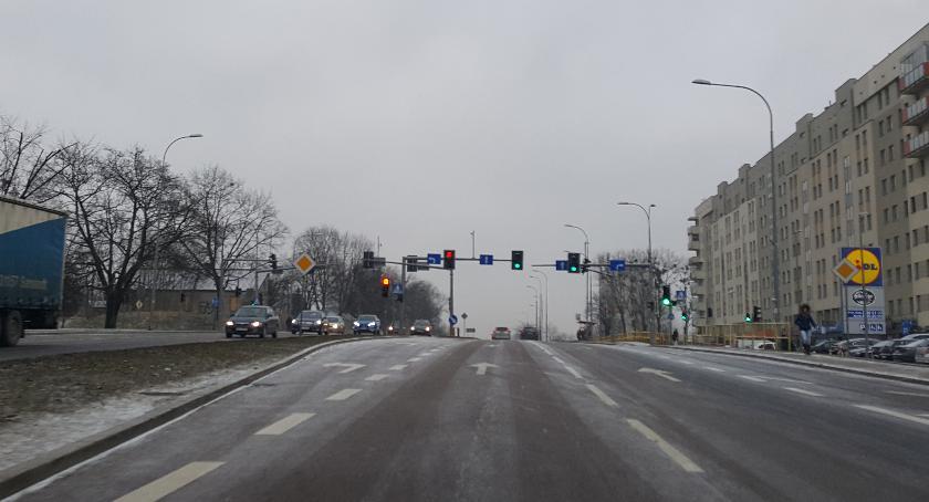 Moto, Coraz więcej Polaków samochód gazie prostu opłaca - zdjęcie, fotografia